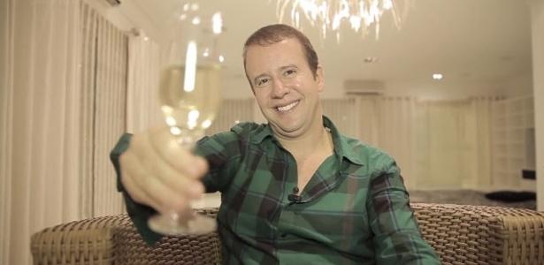 """4.nov.2013- Alexander de Almeida, conhecido como o """"rei do camarote"""""""
